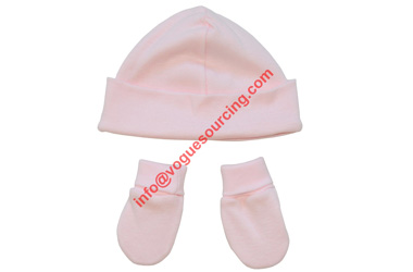 organic-baby-hat-with-mitten-set-voguesourcing